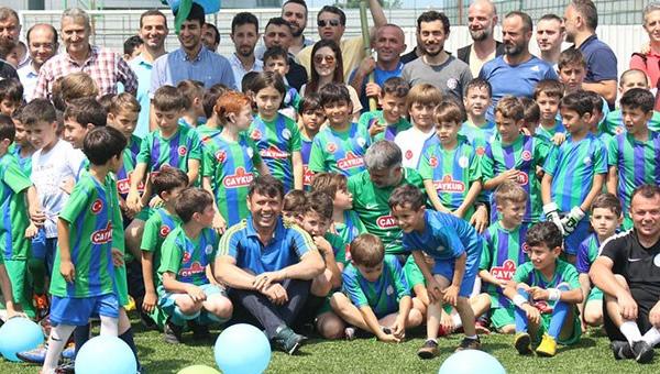 """Çaykur Rizespor'dan """"Anne-Baba Haydi Futbola"""" projesi"""