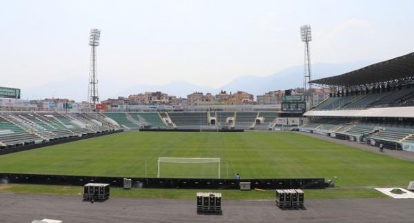Denizli Atatürk Stadı sezona hazır