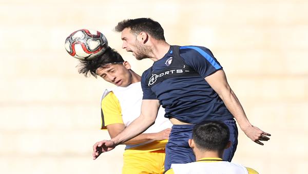 Osmanlıspor, U19 takımıyla maç yaptı