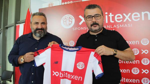 Antalyaspor'da transfer bitmiyor