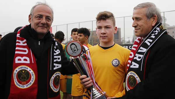 İlhan Ağabey Turnuvası'nı Osmanlıspor kazandı