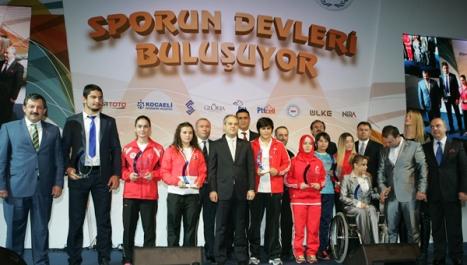 Sporun Devleri Buluşuyor ödül töreni yapıldı.