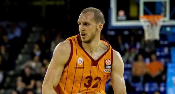Galatasaray'ın yıldızı Fenerbahçe'de