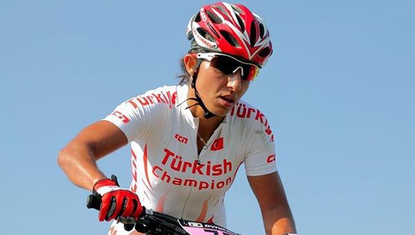 Ankaralı sporcu trafik kazası geçirdi