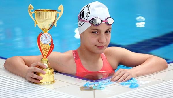 Yenimahalle'nin altın kulacı, şampiyonluğa ulaştı