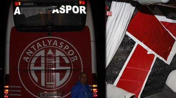 Antalyaspor otobüsüne taşlı saldırı!