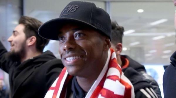 Sivasspor'un yeni transferi Robinho Sivas'a ulaştı!