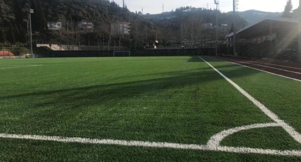 Karamürsel Stadı'nın zemini yenilendi