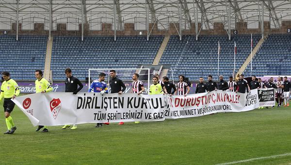 """Osman Özköylü: """"50 kişinin önünde motive olamıyoruz"""""""
