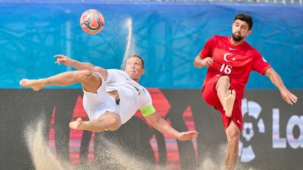 Milli plaj futbolcular Estonya'ya mağlup