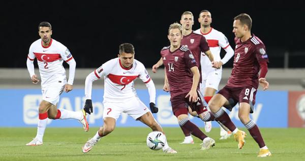 90'da güldük! Letonya: 1 Türkiye: 2