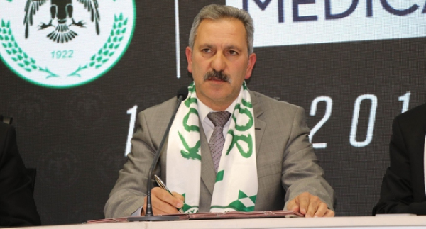 Konyaspor taraftarlarına sürpriz yapmak istiyor...