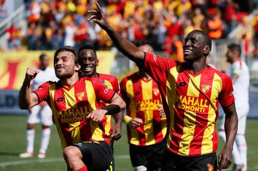 Göztepe'de Demba Ba'ya 2 yıllık sözleşme!