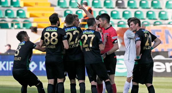 Akhisarspor'a Beşiktaş maçı öncesi ceza