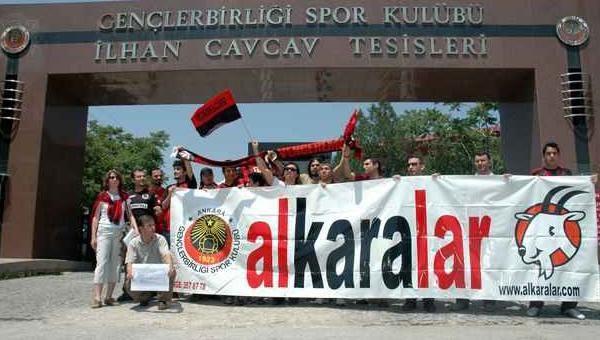 Alkaralar'dan Galatasaray maçında olanlara tepki...