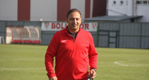 Fuat Çapa Eskişehirspor'a imzayı atıyor