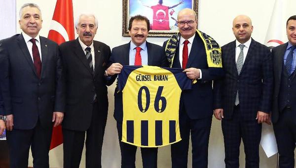 """""""Ankaragücü borç isteyen bir kulüp olmaktan çıkmalı"""""""