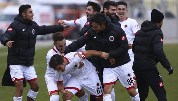 1. Lig'de ilk yarının lideri: Gençlerbirliği