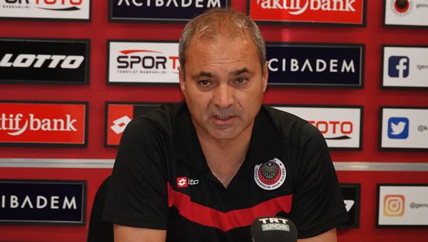 """Erkan Sözeri: """"Şampiyon takım gibi oynadık!"""""""