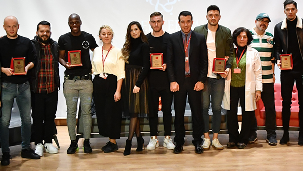 Ankaragücü'nün futbolcuları öğrencilerle buluştu