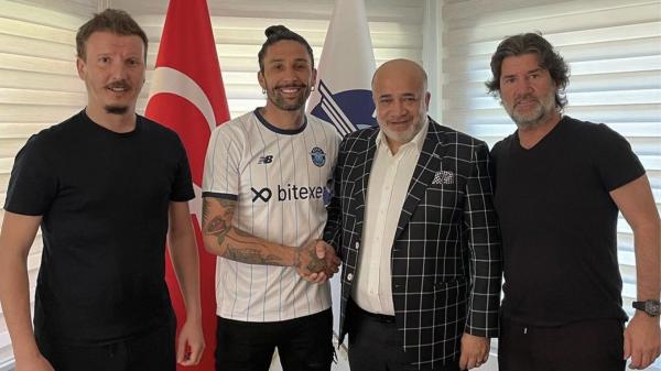 Adana Demirspor Lucas Castro transferini açıkladı