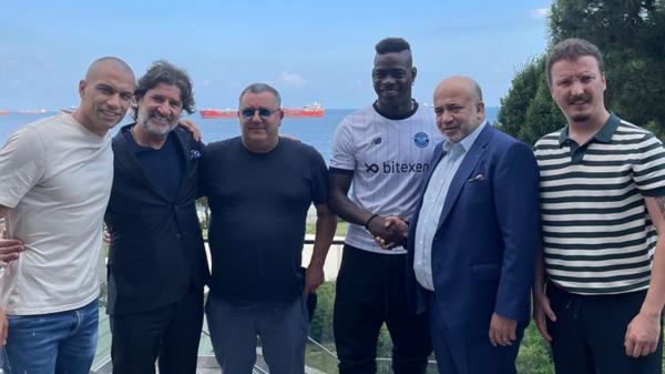 Mario Balotelli resmen Adana Demirspor'da