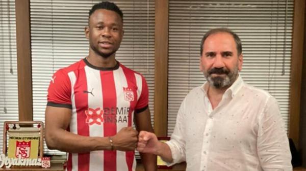 Sivasspor'dan forvet transferi