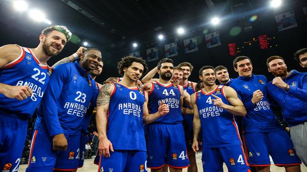 Son Şampiyon Anadolu Efes EuroLeague'de sezonu İspanya'da açacak