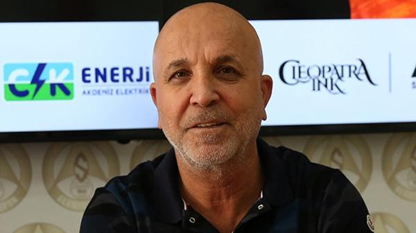 """Çavuşoğlu: """"Takım daha kaliteli, kulübe daha zengin"""""""