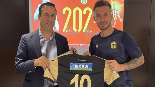 Yeni Malatyaspor'da Adem Büyük'ün sözleşmesi uzatıldı