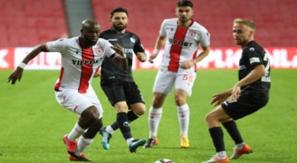 Samsunspor: 0 B.B. Erzurumspor: 0