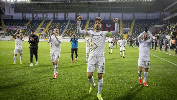 Osmanlıspor'dan 11 maçta 10 galibiyet
