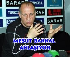 Mesut Bakkal anlaşıyor