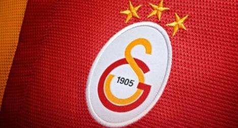 Galatasaray'da toplu imza töreni düzenlendi.