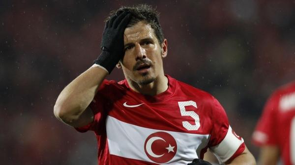 Emre Belözoğlu, futbolu bırakıyor mu?