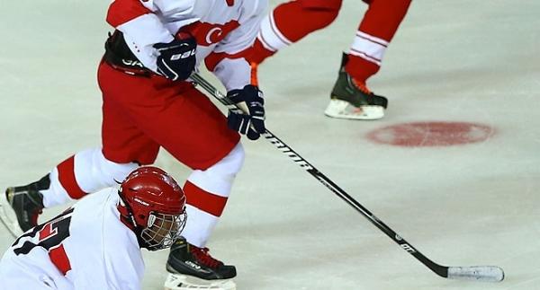 Buz hokeyinde yabancı antrenör takviyesi
