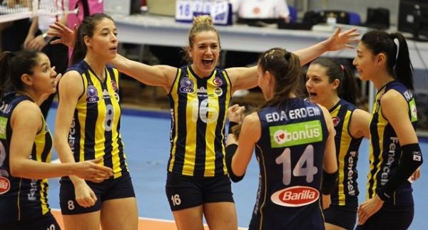VakıfBank ile Fenerbahçe liderliği garantiledi