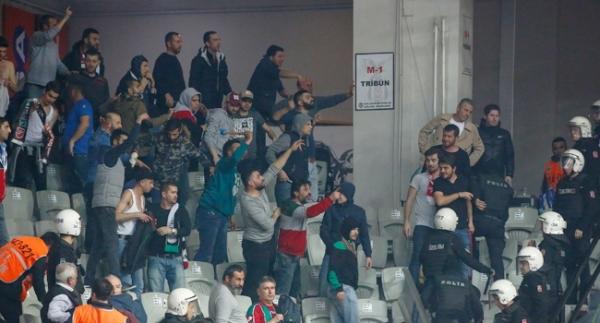 Beşiktaş - Pınar Karşıyaka maçında olay