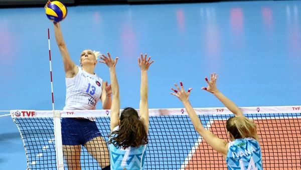 Halkbank, Bursa'yı 3-1 ile geçti