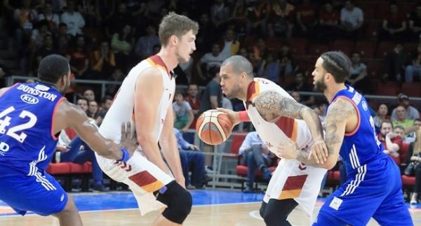 Anadolu Efes ve Galatasaray son virajda