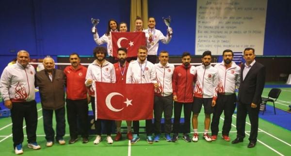 Badmintonda 6 madalya