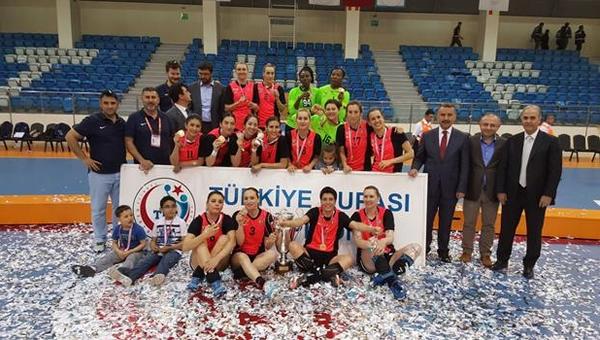 Yenimahalle'den Ankara'ya bir kupa daha