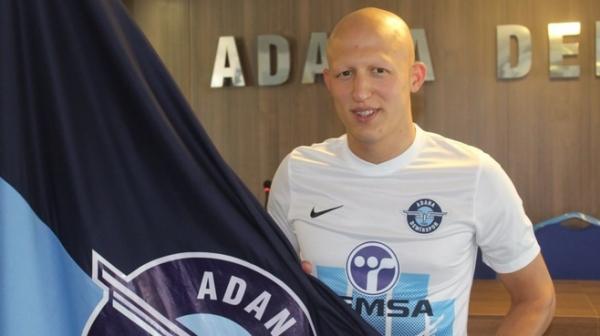Adana Demirspor, Sezer Özmen'i renklerine bağladı