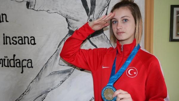 Başkent'in gururu: Zeliha Ağrıs