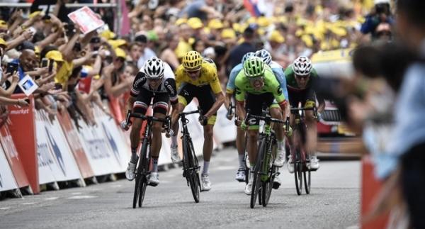 9. etapta zafer Rigoberto Uran'ın