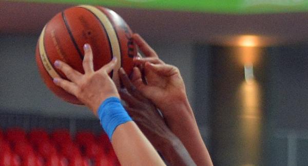 AGÜ Spor'dan Adana ASKİ'ye fark