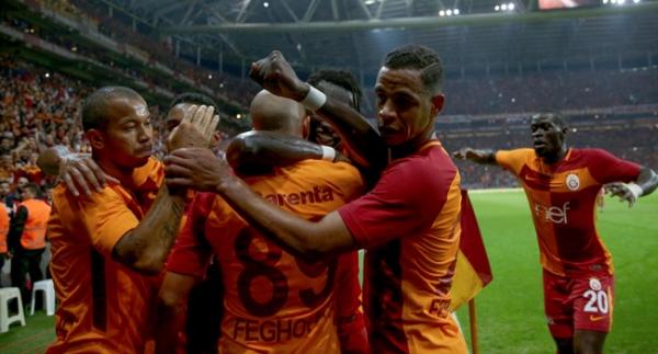Galatasaray 3 puanı 90'da kurtardı