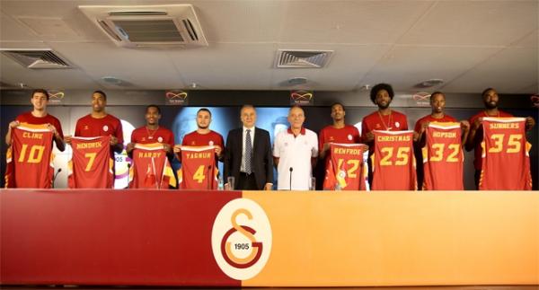 Galatasaray Odeabank yenileri tanıttı