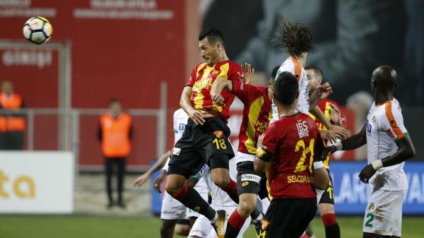 Beşiktaş karşısında Jahovic yok