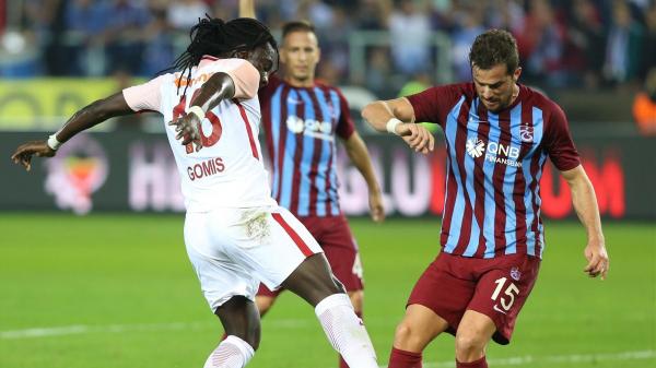 """""""Keşke her hafta Galatasaray ile oynayıp, şampiyonluğa gitsek"""""""